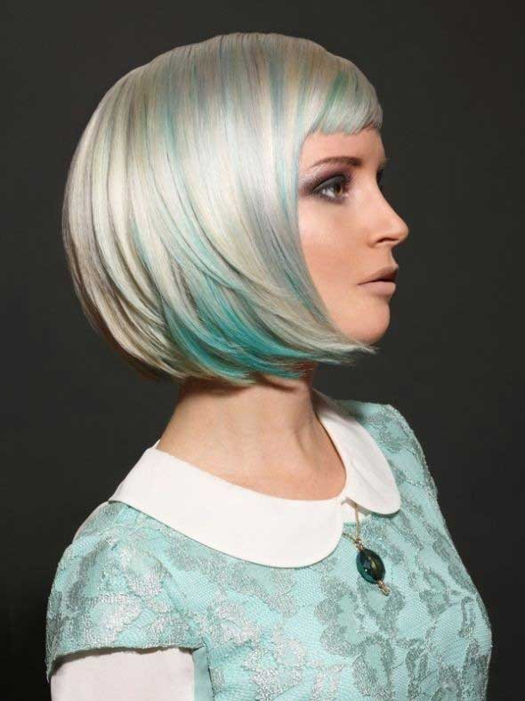 bob frizura sa plavim pramenovima