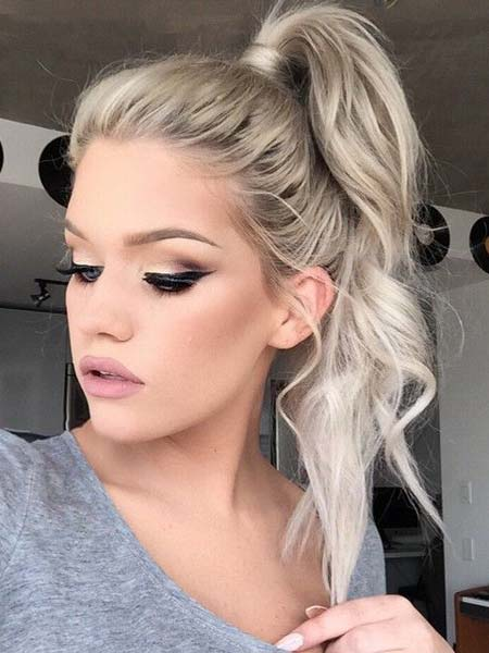 platinasto plava kosa