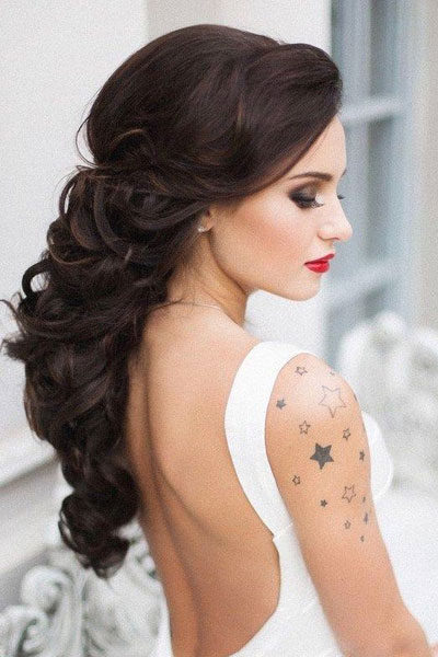 predivna frizura za venčanje na tamnoj kosi