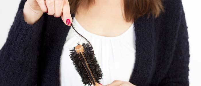 da li stres utiče na opadanje kose