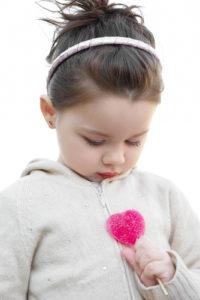 devojčica sa rajfom