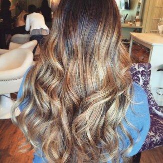 plavi pramenovi na kosi