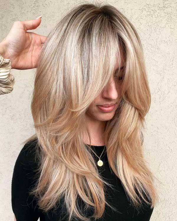 gusta kosa - stepenasto ošišana - plava kosa