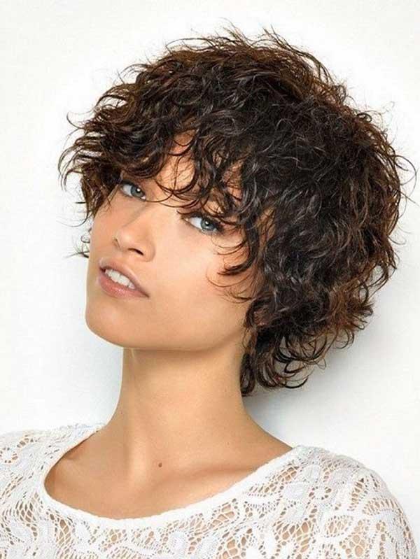 mokri izgled - kratka kovrdžava kosa