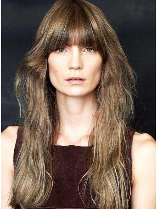 Lepršava duga kosa sa ovalnim šiškama
